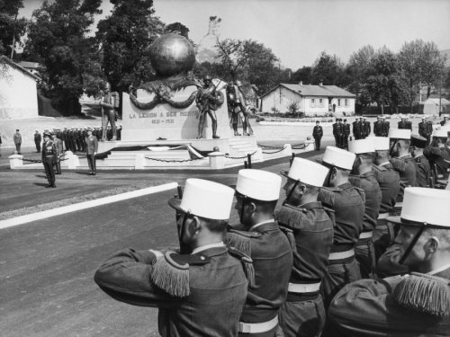 30th April 1963:  Soldiers from the French Foreign Legion on parade at a memorial honouring their dead at Aubagne in France. The ceremony celebrates the 100th anniversary of the legion's most famous battle at Camerone in Mexico.  (Photo by Keystone/Getty Images)